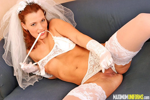 This sexy bride wants you to forget blonde girls in nylons for redheads!
